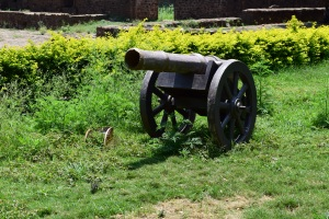 Cannons at the entrance