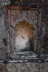 niche for a lamp
